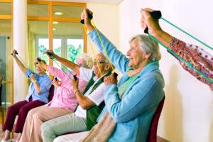 Met de training bewegingsgericht zorgen leert de (thuis)zorgmedewerker ook beweegmomenten tijdens de zorg te creëren. Bekijk de inhoud van deze training.