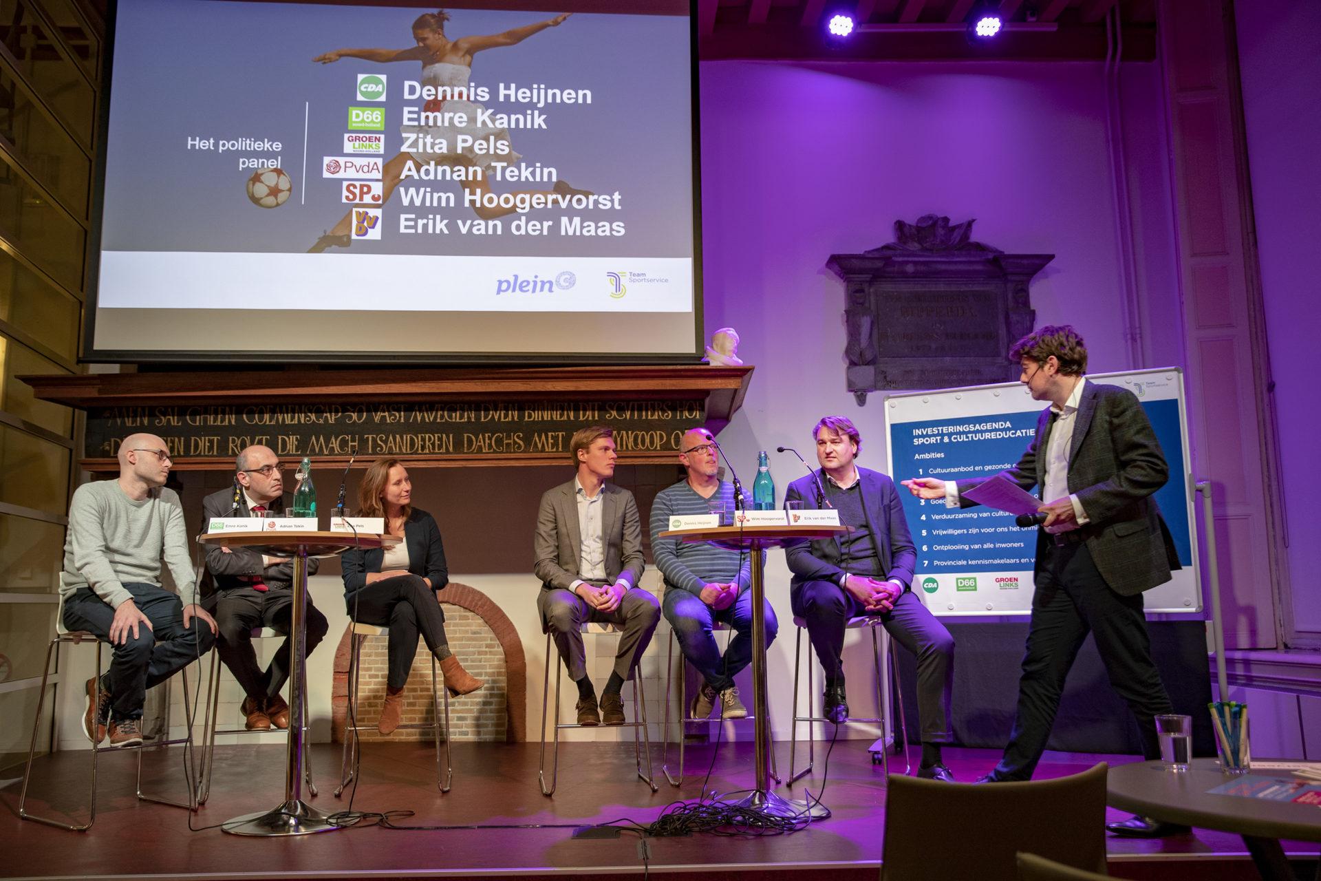 Het panel met v.l.n.r. Emre Kanik, Adnan Tekin, Zita Pels, Dennis Heijnen, Wim Hoogervorst en Erik van der Maas. (Foto: Team Sportservice/Michel van Bergen)